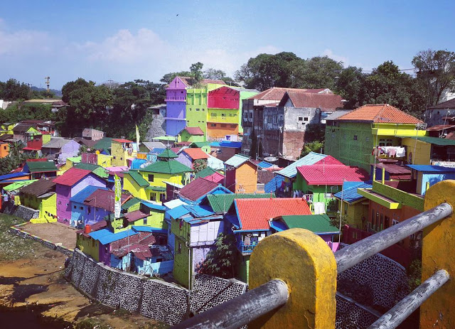 foto kampung warna warni